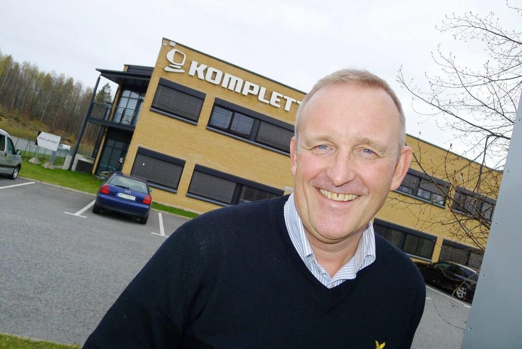 Ole Vinje går av som konsernsjef i Komplett, og får ansvaret for E-handel hos hovedaksjonæren Canica. Her er han foran hovedkontoret i Sandefjord i 2012. Foto: Erik Andersen