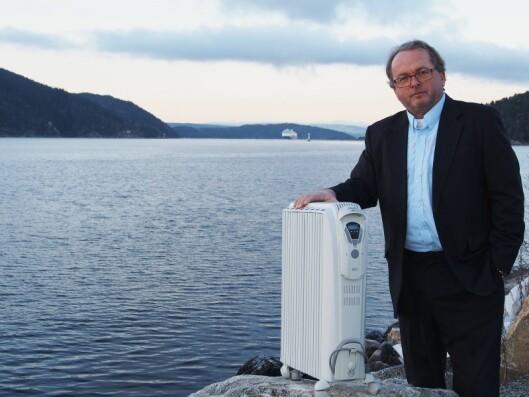 Martin Vinje i Martin Vinje Company representerer DeLonghi i Norge. Her er han fotografert utenfor sitt kontor i Drøbak, i 2013. Foto: Stian Sønsteng.