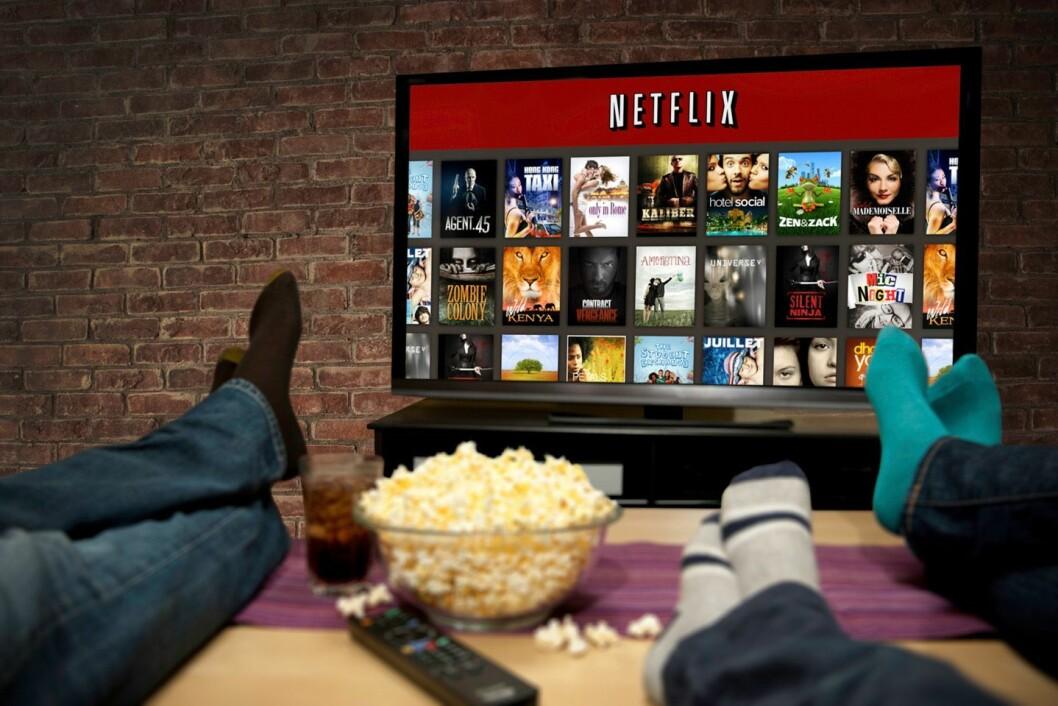 Nordmenn ser fortsatt helst på TV-skjermen, og stadig flere tar i bruk en eller flere av strømmetjenestene som er tilgjengelige. Foto: Netflix