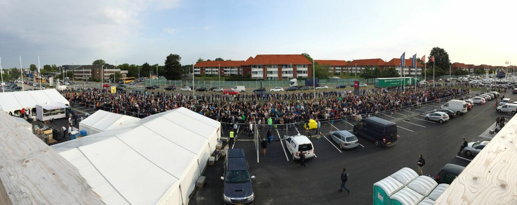 Avisen BT meldte om kaos og ville tilstander da Power åpnet sitt første varehus i Danmark. Foto: Mikkel Alme.