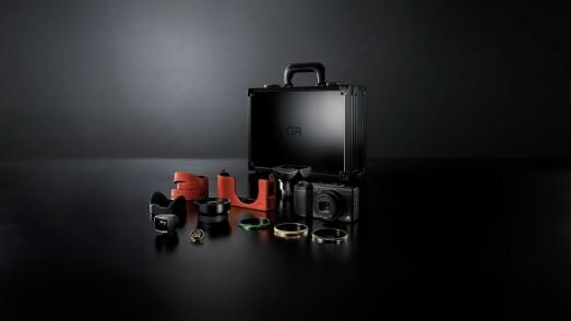 Ricoh GR-II Premium Kit