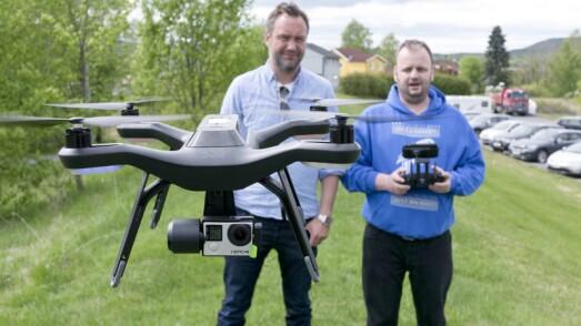 SOLO-DRONE OG MONSTER-HØYTTALERE