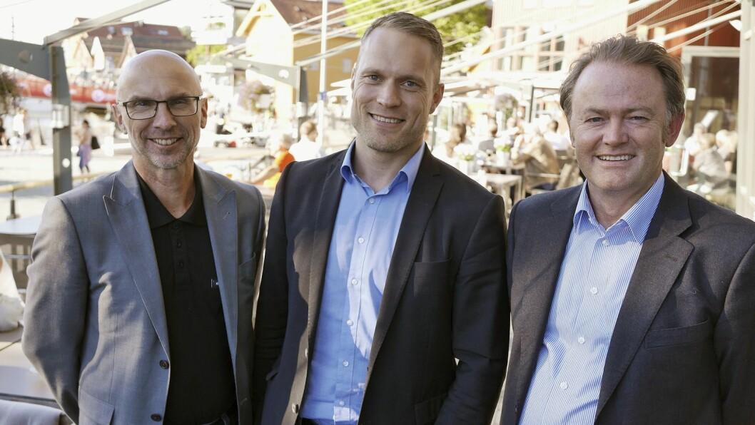 Ettermarkedssjef i Expert Norden Roger Tangen (f. h.), nordisk sjef for ettermarked og tjenester Juha-Mikko Saviluoto og nordisk ansvarlig for innkjøp og logistikk Per Øyvind Sørsveen i Expert. Foto: Stian Sønsteng
