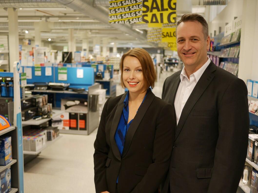 Kommunikasjonssjef Marte Ottemo og administrerende direktør Jan Røsholm i Stiftelsen Elektronikkbransjen. Foto: Stian Sønsteng.