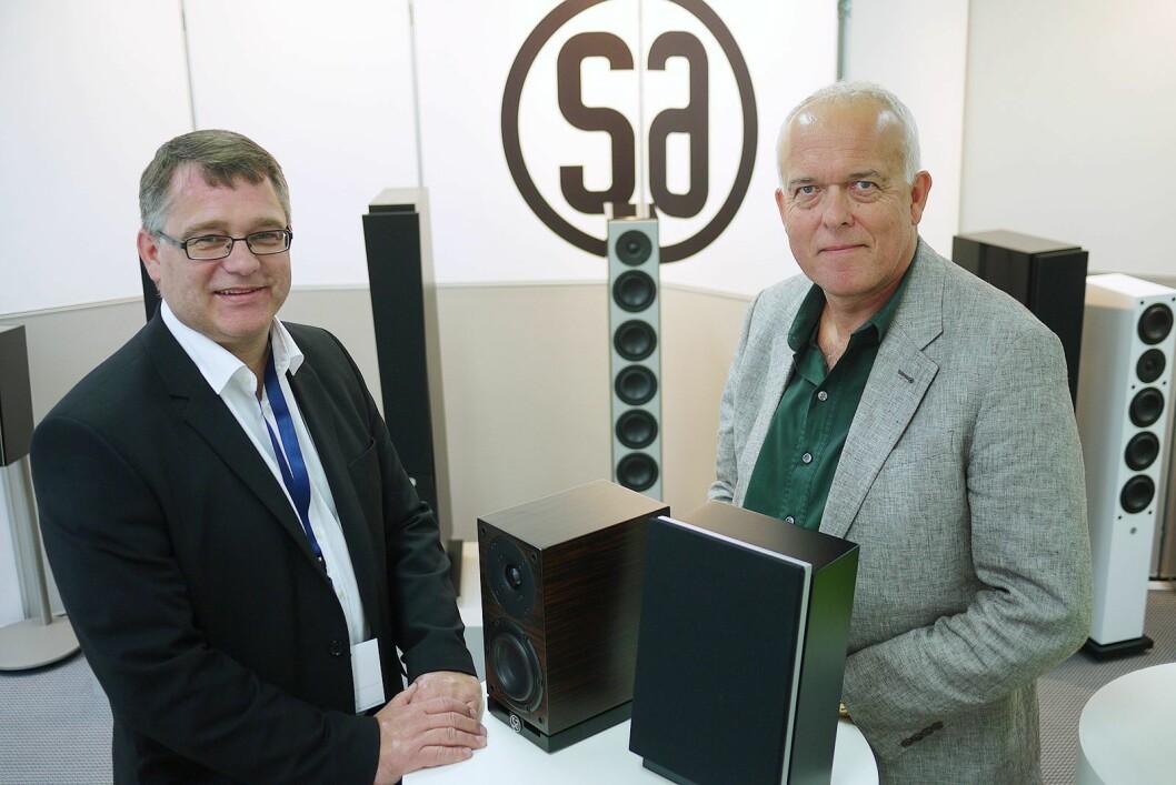 Jan Inge Solheim (t. h.) og Roar Olafsen fotografert hos danske System audio på High End-messen i München i 2011. Foto: Stian Sønsteng