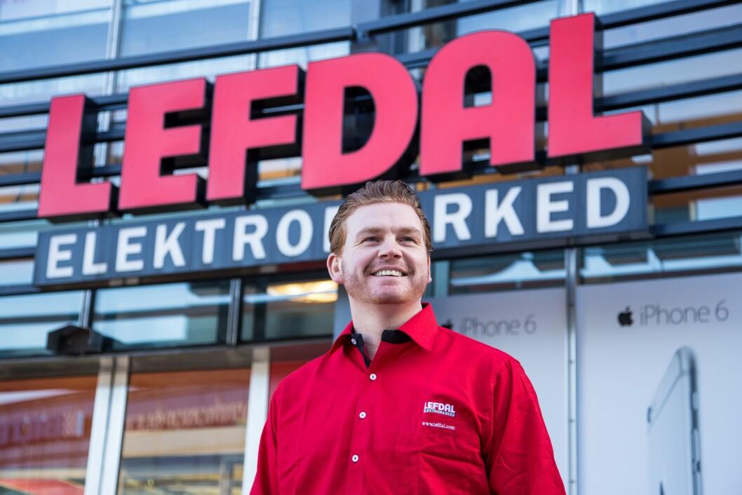 Kommunikasjonssjef Øystein Schmidt i Lefdal Elektromarked. Foto: Lefdal.