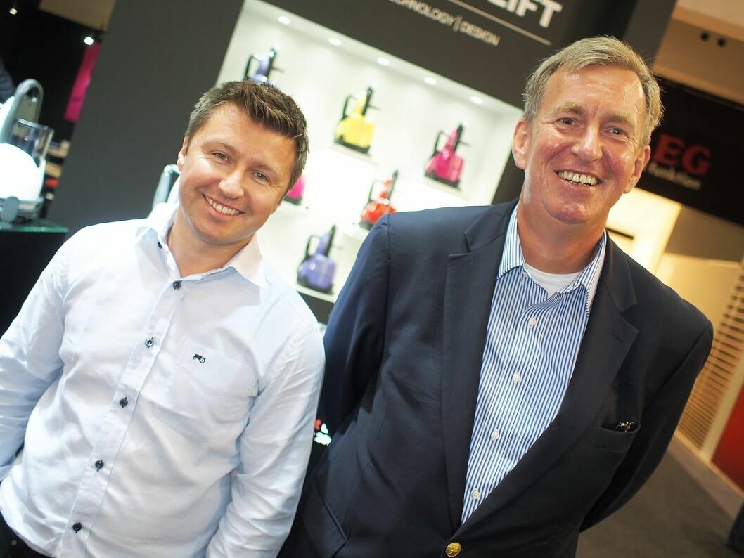 Morten Hoff (t. v.) og Anders Liland fotografert på IFA-messen i 2013. Nå har Liland sluttet i selskapet, og Wilfa-eier Hoff har tatt over rollen som konsernsjef. Foto: Stian Sønsteng