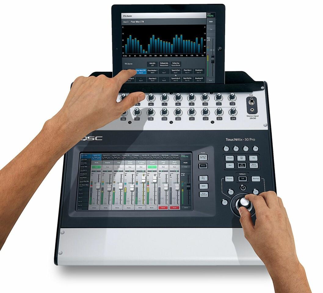 TouchMix-30 Pro fra amerikanske QSC. Mikseren har 30 spor, mulighet for opptak på harddisk, og kan styres via en app. Pris: 16.476,- eks. mva.