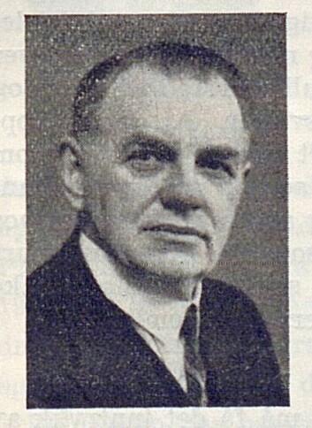 Olaf T. Ranum i Norges Musikkhandlerforbund hilste til NRL i anledning 15 års-jubileet i nr. 6/1939.