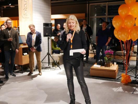 Elin Tuv Sandvik er markedssjef i Foto.no, og holdt tale på åpningsfesten før butikkåpningen i Barcode i Oslo den 1. april.