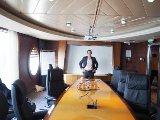 Advokat Kyrre Kielland hadde et eget møterom på båten, hvor deltakerne på Vårkonferansen kunne få hjelp til spesifikke problemstillinger. Et populært tiltak.