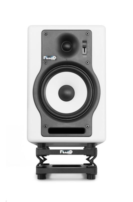 Fluid Audio DS5 stativ i lav posisjon, her med studiomonitoren F5W, som koster 2.500,- per par.
