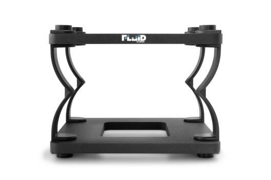 Fluid Audio DS8 stativ for 7 til 8 tommers høyttalere, her i høy posisjon. Pris per par: 900,-.