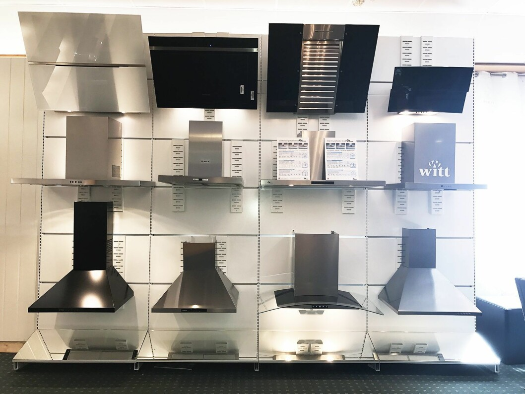 På Elkjøps nordiske produktkurs for kjøkken og hvitevarer hadde kjeden samlet mange av avtrekksviftene de har i sortimentet.
