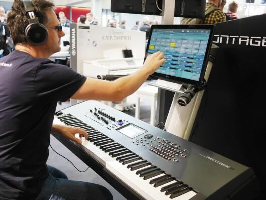 Yamahas synthesizer Montage 8 kan koples til en ekstern skjerm.
