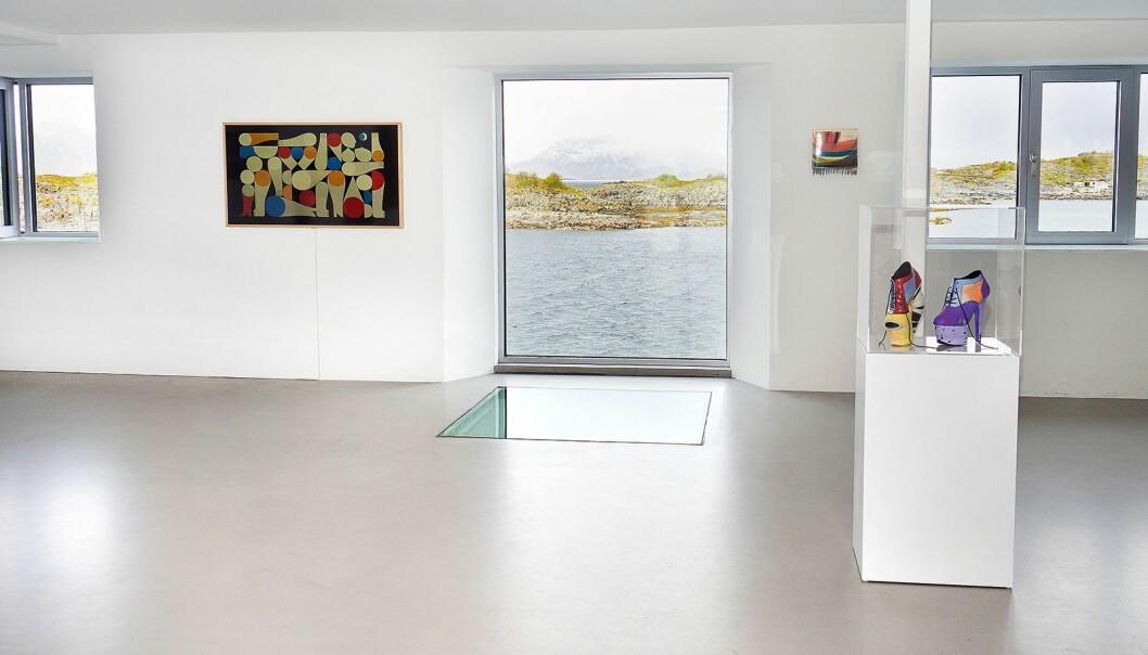 Samsung The Frame ble lansert ved galleriet The KaviarFactory i Henningsvær i Lofoten den 31. mai, og skal bli hengende i sommer som en del av utstillingen «Painting or not». Foto: Samsung