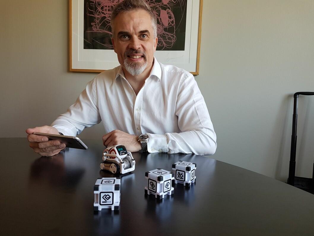 Stuart Collingwood, sjef for Europa og Midtøsten i Anki, var i Oslo for å demonstrere selskapets nye robot.
