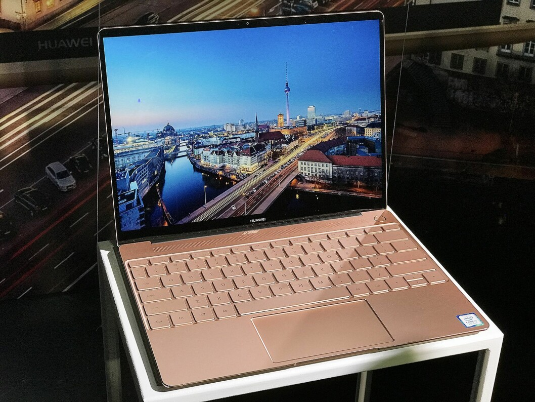 Huawei MateBook X i fargen Rose Gold..