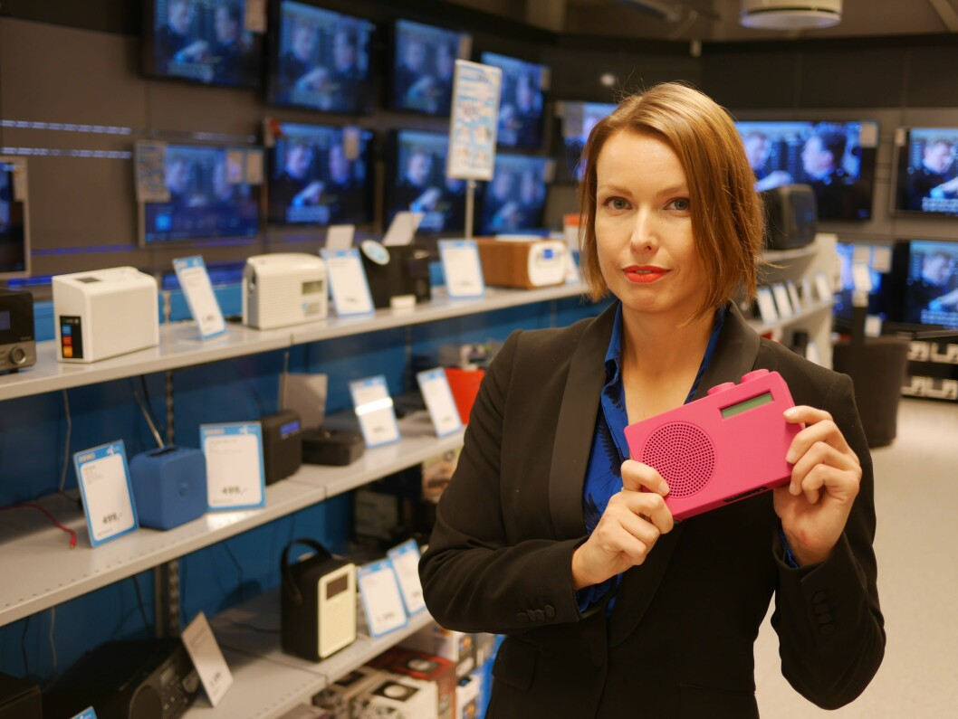 Kommunikasjonssjef i Stiftelsen Elektronikkbransjen, Marte Ottemo, ser et kraftig hopp i dab-salget. Foto: Stian Sønsteng