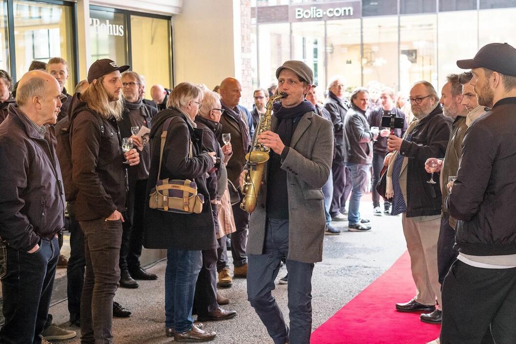 Åpningen av Leica Store Oslo og Galleri Thune foregikk for full musikk. Foto: Erling Maartmann-Moe
