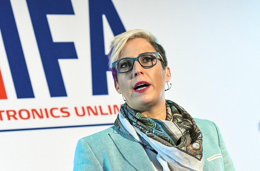 Liat Ben-Zur i Royal Philips på scenen under IFA-messen globale pressemøte i Lisboa. Foto: IFA