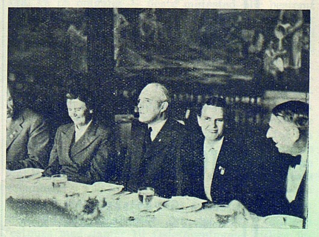 Fruene Molander (venstre) og Engelhardt (høyre)..