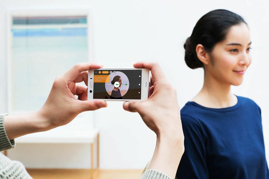 Telefonen hjelper deg å skanne 3D-bilder rett på skjermen. Foto: Sony Mobile