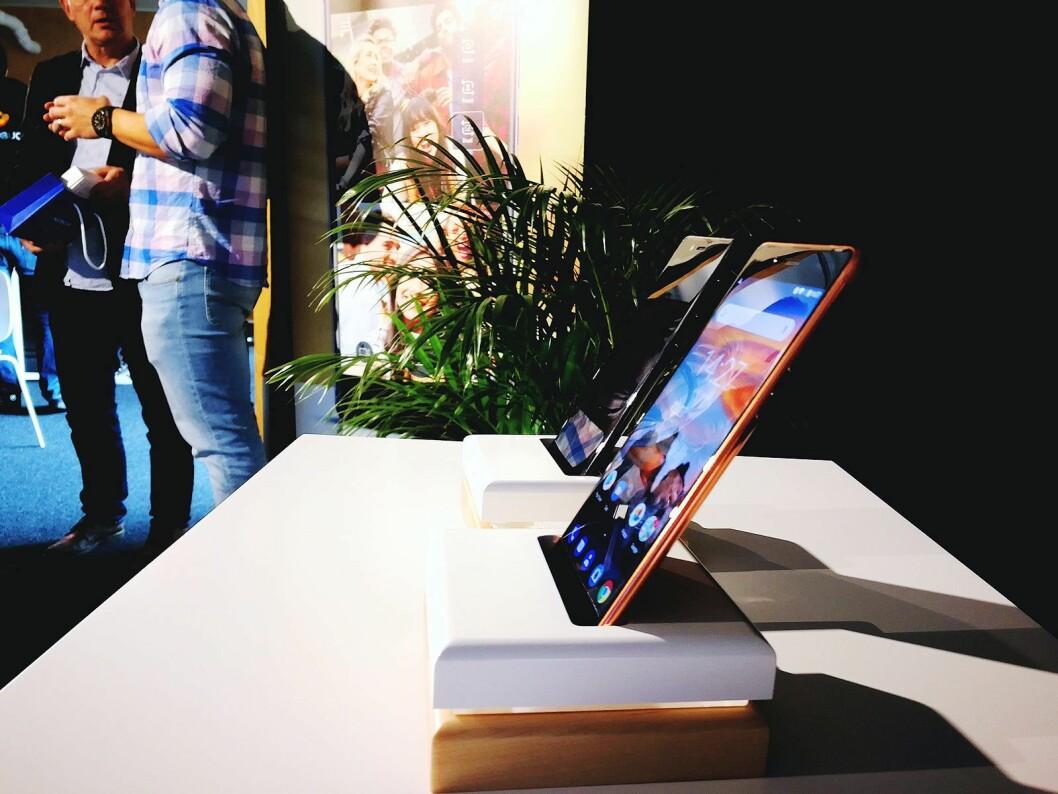 Nokia 8 er bare 4,6 mm på det tynneste, og 7,3 mm i gjennomsnitt. Foto: Marte Ottemo