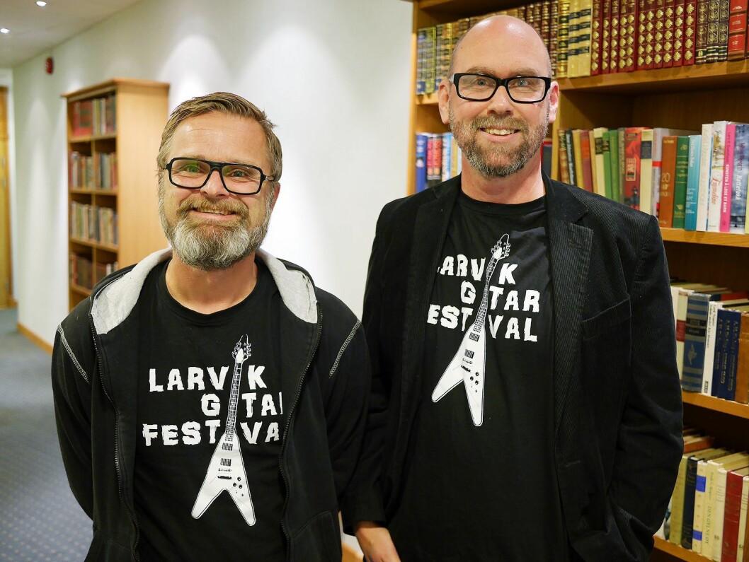 Atle Rasmussen (t. v.) og Anders Buaas i Larvik gitarfestival deltok på musikkbransjehelgen. Foto: Stian Sønsteng