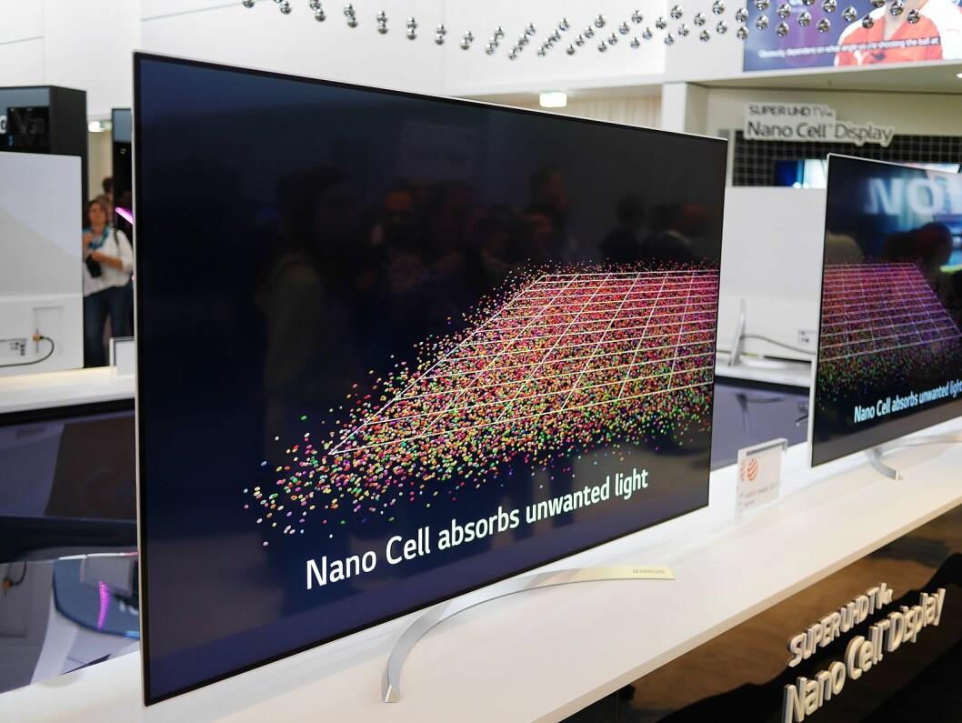 SJ950 er LGs toppmodell innen deres Super UHD 4K-modeller. Den har Nano Cell-skjerm, det vil si et IPS-panel med et filter med nanoceller, som blant annet skal fjerne støy i fargene. Foto: Stian Sønsteng.