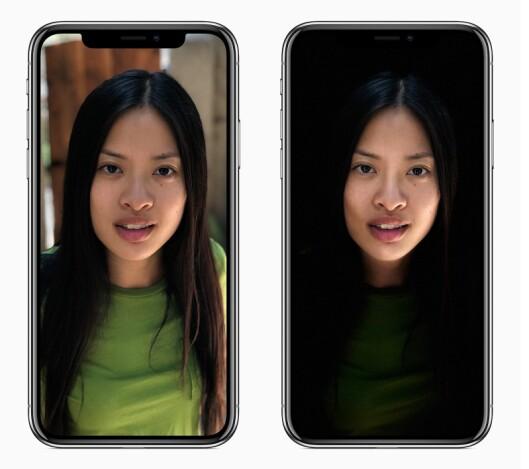 TrueDepth-kamerasystemet på skjermsiden av iPhone X og de to kameraene på baksiden av iPhone X og iPhone 8 Plus gir flere muligheter i portrettmodus, som naturlig lys eller scenelys, der ansiktet er flombelyst mot en helsvart bakgrunn.