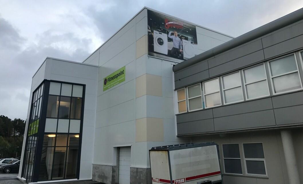 Skousens butikk nr. 26 i Norge ligger i dette bygget på Stord. Foto: Skousen.
