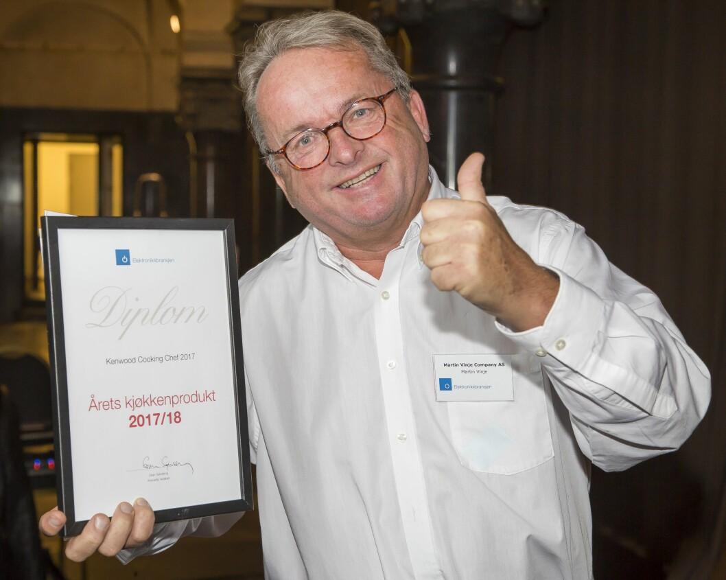 Kenwood Cooking Chef 2017 er «Årets kjøkkenprodukt 2017/2018». Prismottaker var Martin Vinje (Martin Vinje Company). Foto: Tore Skaar.