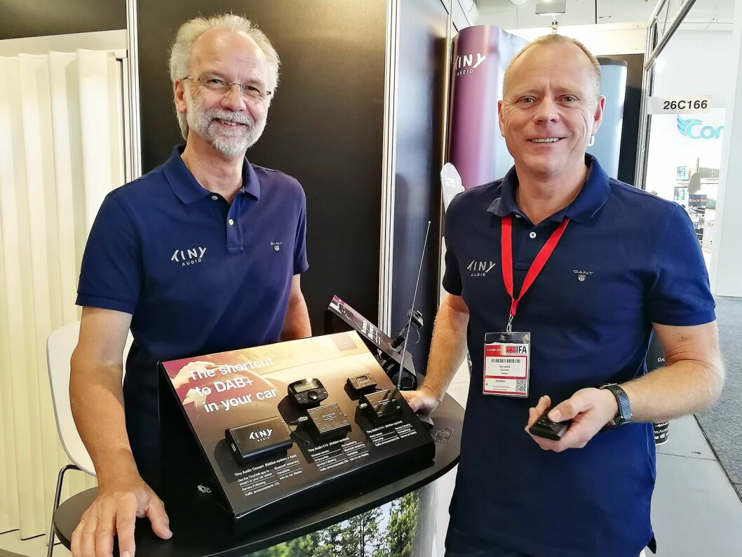 Gøsta Morin og Tom Vedvik i TT Micro ser mot Europa med sine nye dab-adaptere. Foto: Marte Ottemo