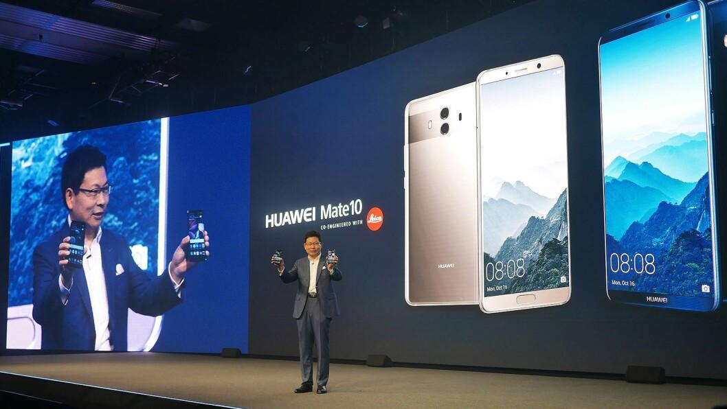 Administrerende direktør Richard Yu i Huawei Consumer Business Group sto for lanseringen av Huawei Mate 10 og Huawei Mate 10 Pro. Kun sistnevnte kommer for salg i Norge. Foto: Stian Sønsteng