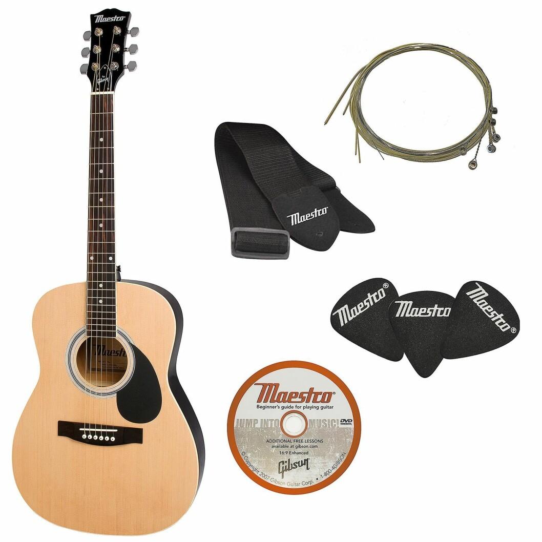 Med de akustiske gitarene fra Maestro by Gibson følger det med rem, plekter, strenger og en opplærings-DVD. Foto: Gibson