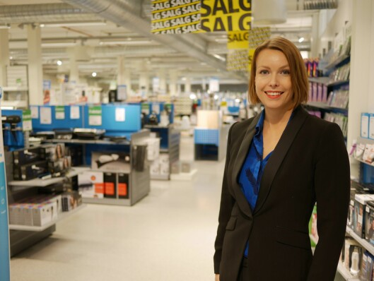 Kommunikasjonssjef Marte Ottemo sier kjøkkenprodukter er kategorien som hopper flest plasser opp på julegavelisten vår, mens nettbrett faller kraftig. (Foto: Stian Sønsteng)