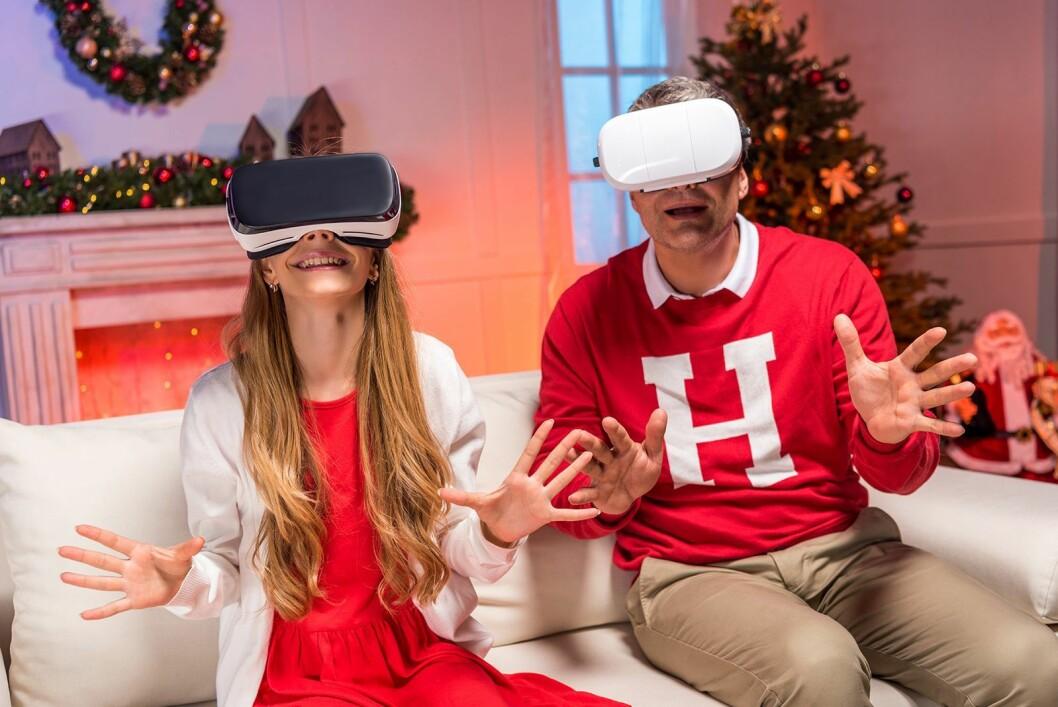 Det er noen regionale forskjeller på folks julegaveønsker også. VR-briller ligger ganske lavt på ønskelisten i hele landet, men i Hedmark og Oppland ønsker hele 14 prosent seg dette i julegave. (Foto: Istockphoto)