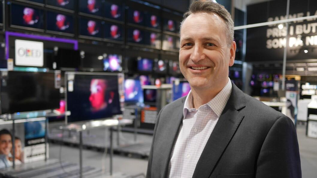 Jan Røsholm, administrerende direktør i Stiftelsen Elektronikkbransjen, ser en vekst TV-salget i 2017. Foto: Stian Sønsteng