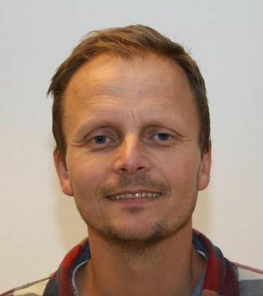 Espen Silseth er innkjøper for hjem og hage i Komplett. Foto: Komplett.
