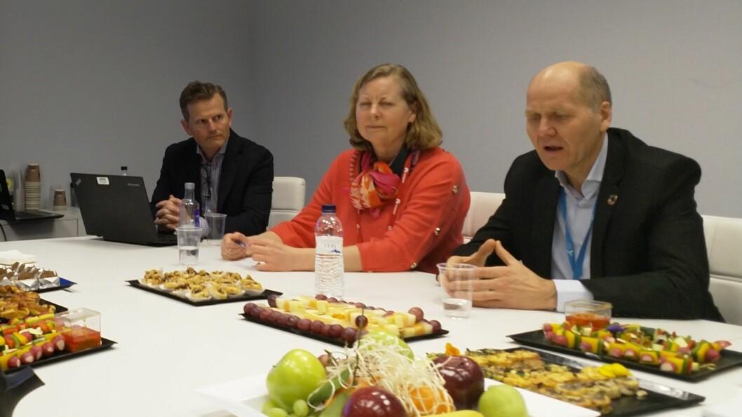 Konstituert teknisk direktør Christer Eneroth, skandinaviasjef Berit Svendsen og toppleder Sigve Brekke i Telenor møtte pressen under årets MWC. Foto: Marte Ottemo.