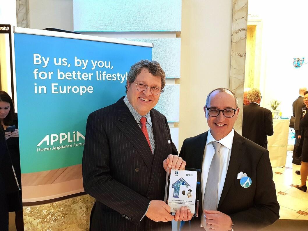 Presidenten i Applia Europe Reinhard Zinkann fra Miele sammen med Paolo Falcioni som er direktør i Applia Europe. Foto: Jan Røsholm