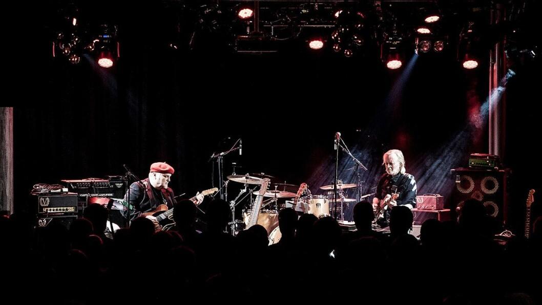 Knut Reiersrud (t. v.) og Eivind Aarset spilte sammen på Larvik gitarfestival. Foto: Tommy Rasmussen