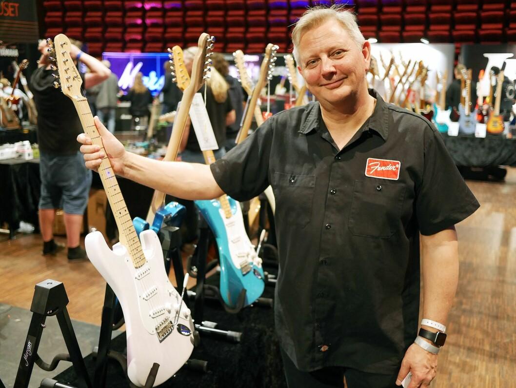 Terje Severinsen i Fender med American Original, som er den nye utgaven av American Vintage. Foto: Stian Sønsteng