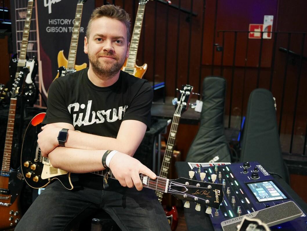 Håkon Øgreid i Luthman, som selger gitarer med Gibson-merkene Gibson og Epiphone i Norge. Foto: Stian Sønsteng.