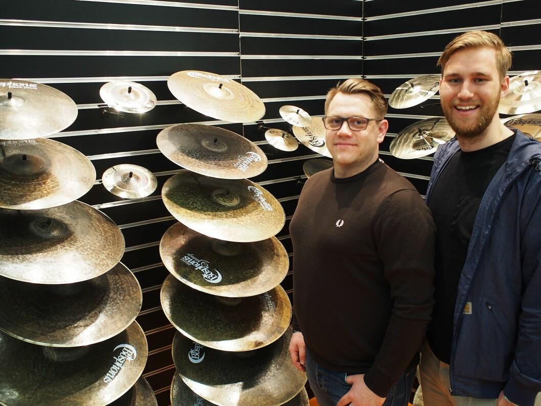 Martin Hostad (t. v.) og Simen Sandnes representerer Bosphorus i Norge gjennom firmaet Panzer Musikk. Foto: Jan Røsholm.