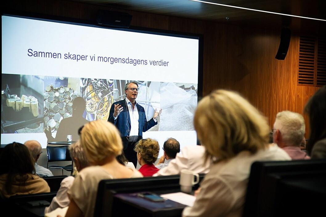 Johan H. Andresen fortalte om Ferds vei mot å bli en bærekraftig bedrift under Norsirks frokostseminar. Foto: Norsirk