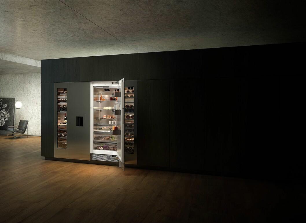 Vario Cooling 400-serien er et helintegrert og innbygget modulbasert system med kjøleskap, fryser og vinskap som kan tilpasses etter mange ulige innredningsbehov. Foto: Gaggenau
