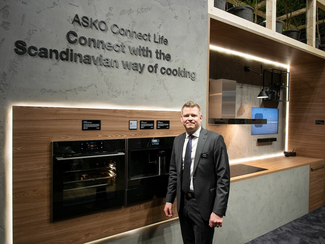 Fredrik Lööf, global merkevareansvarlig i Asko, sier selskapet skal lansere sitt nye Connect Life-konsept i Norden i 2019. Foto: Ola Larsson.