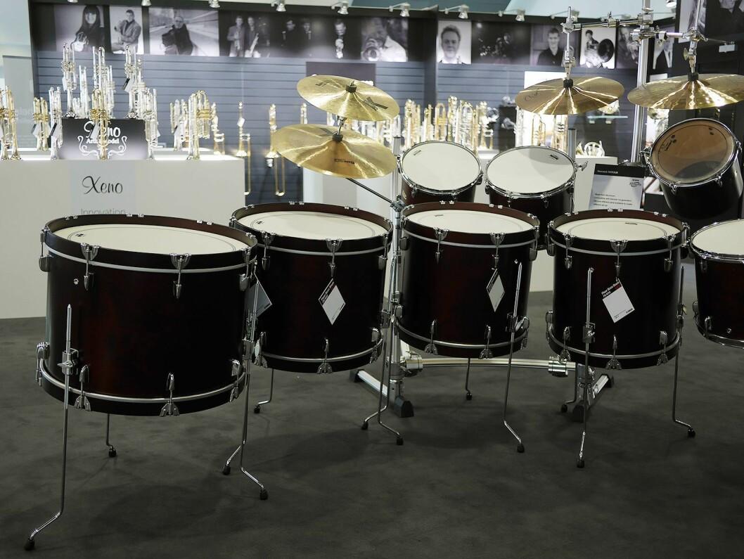 I avdelingen for klassisk slagverk har Yamaha basstrommer i ulike størrelser, her 18, 20, 22 og 24 tommer. Foto: Stian Sønsteng.